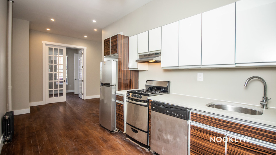A $2,200.00, 2 bed / 1 bathroom apartment in Greenpoint