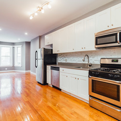A $3,987.00, 4 bed / 1 bathroom apartment in Greenpoint