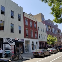 A $3,699.00, 3 bed / 1 bathroom apartment in Williamsburg
