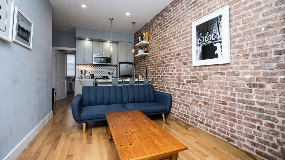 A $2,675.00, 3 bed / 1 bathroom apartment in Bed-Stuy