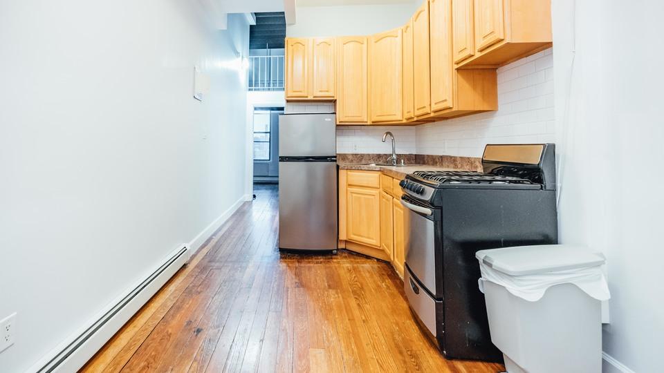 A $2,900.00, 2.5 bed / 1 bathroom apartment in Bushwick