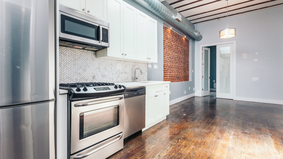 A $3,200.00, 4 bed / 1.5 bathroom apartment in Ridgewood