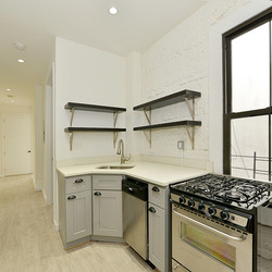 A $2,975.00, 4 bed / 2 bathroom apartment in Flushing