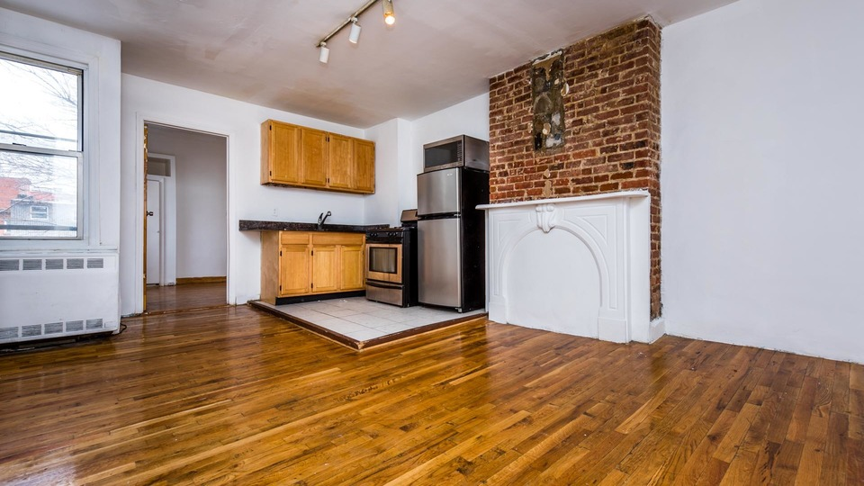 A $2,750.00, 3 bed / 1 bathroom apartment in Clinton Hill