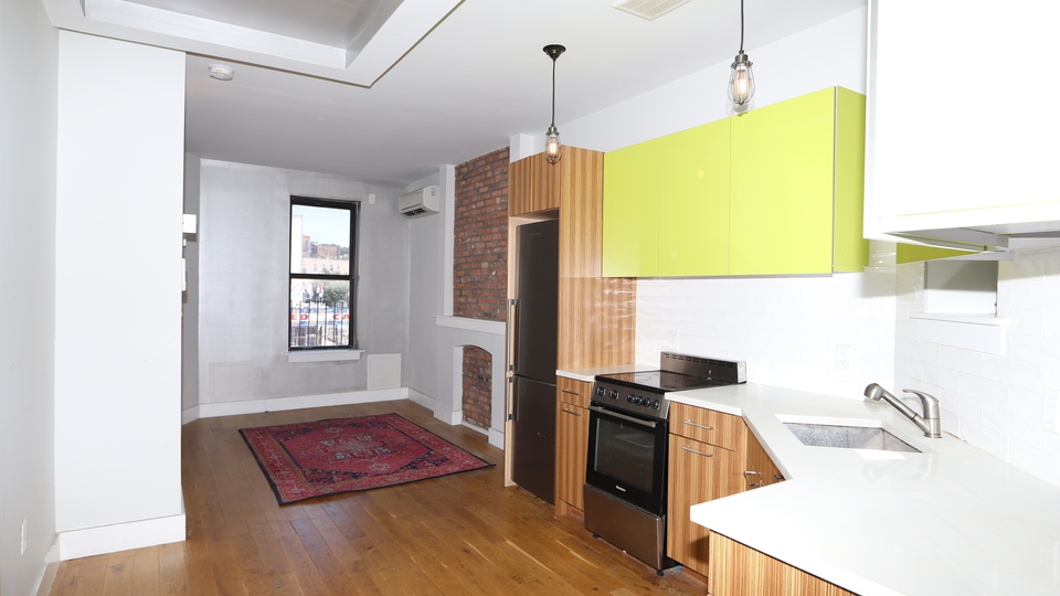 A $2,250.00, 2 bed / 1 bathroom apartment in Sunset Park
