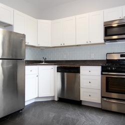 A $2,900.00, 2 bed / 1 bathroom apartment in PLG: Prospect Lefferts Gardens