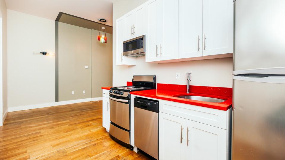 A $3,015.00, 3 bed / 1.5 bathroom apartment in Bushwick