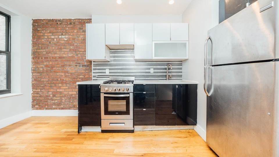 A $4,099.00, 3 bed / 1.5 bathroom apartment in Bushwick