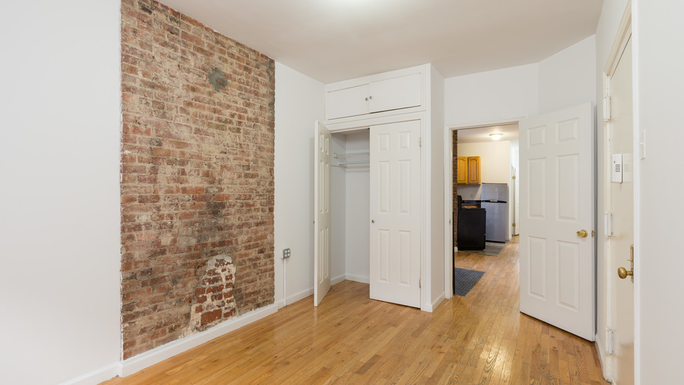 A $3,600.00, 4 bed / 1.5 bathroom apartment in Fort Greene