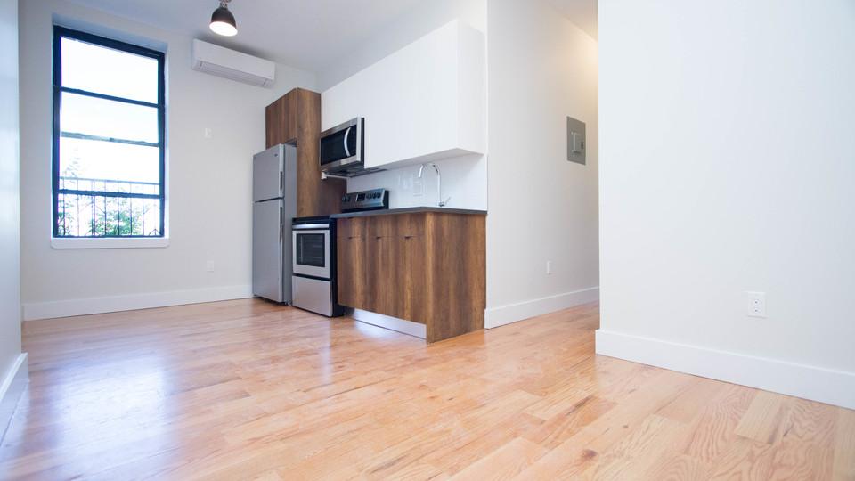 A $2,450.00, 3 bed / 2 bathroom apartment in Bushwick