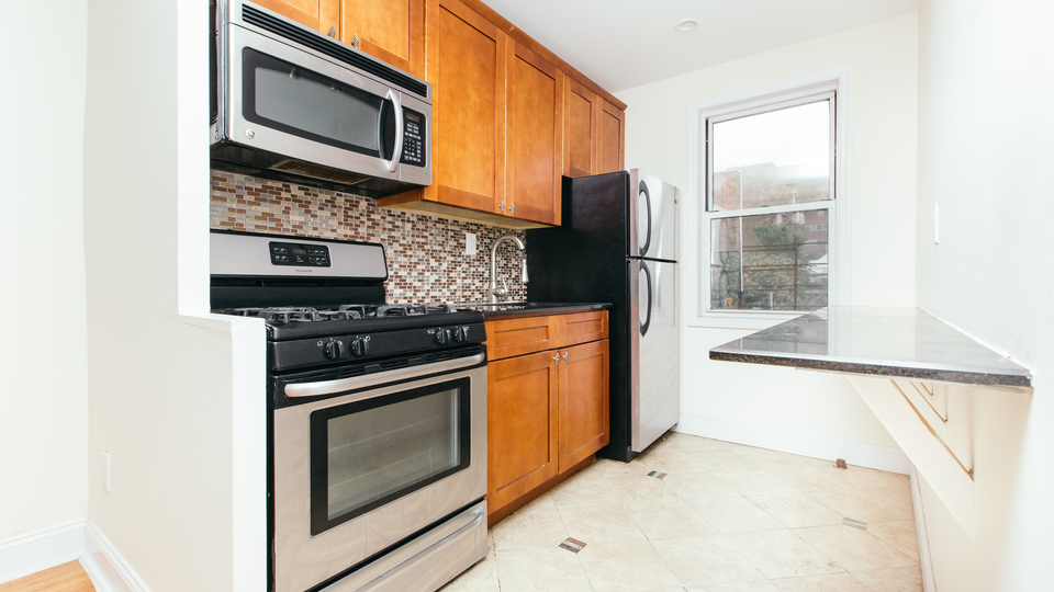 A $2,400.00, 3 bed / 1 bathroom apartment in East Flatbush