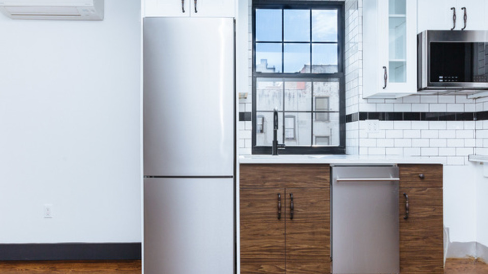 A $2,200.00, 2 bed / 1 bathroom apartment in PLG: Prospect Lefferts Gardens
