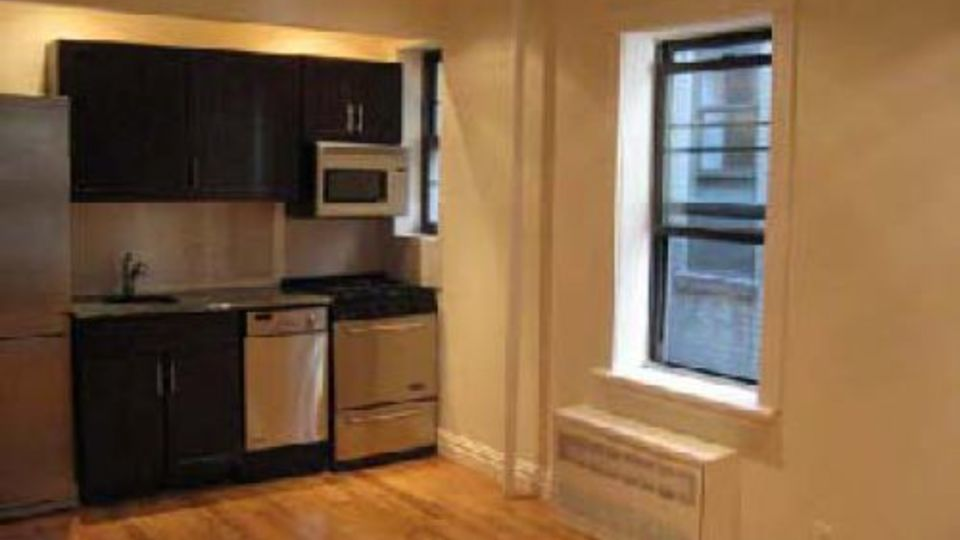 A $3,400.00, 0 bed / 1 bathroom apartment in Greenwich Village