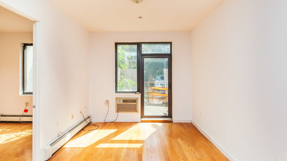 A $2,595.00, 2 bed / 1 bathroom apartment in Williamsburg