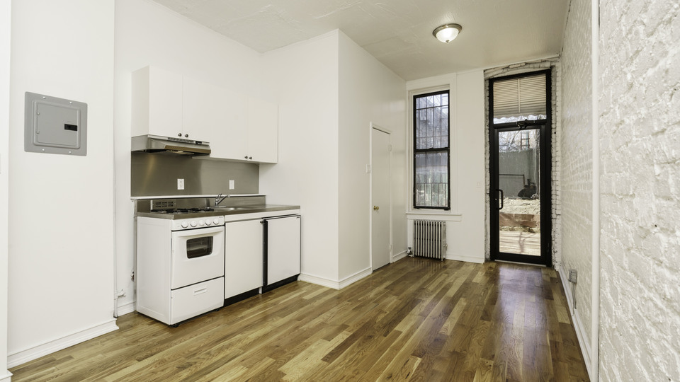 A $1,800.00, 0 bed / 1 bathroom apartment in Bushwick