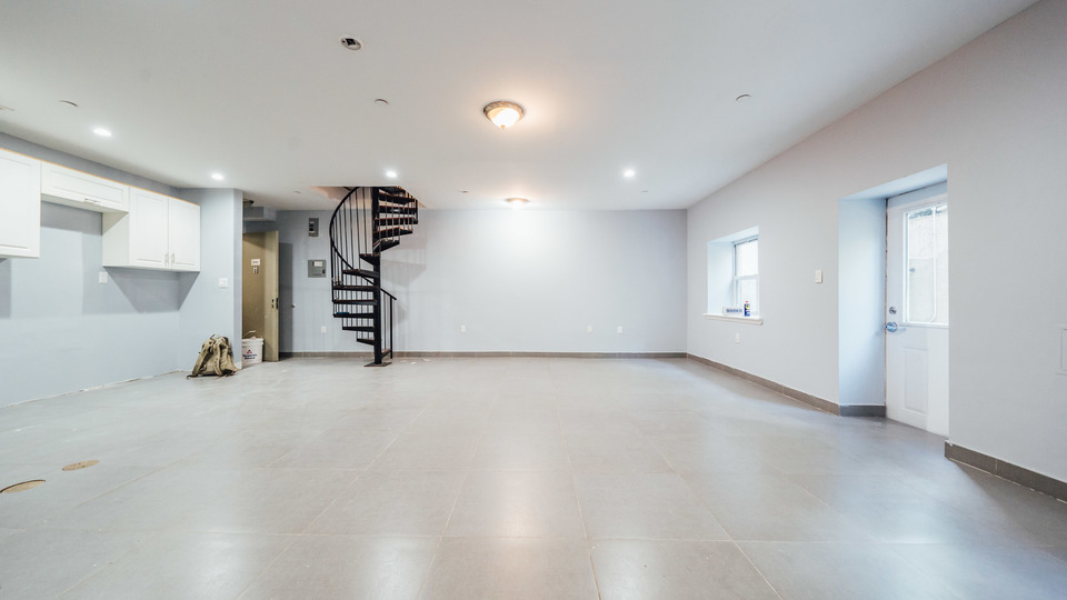 A $3,270.00, 3 bed / 2 bathroom apartment in Bushwick