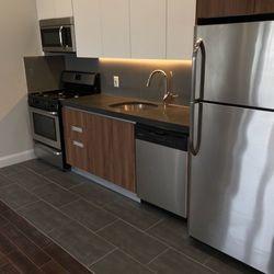 A $2,700.00, 2 bed / 2 bathroom apartment in Ridgewood