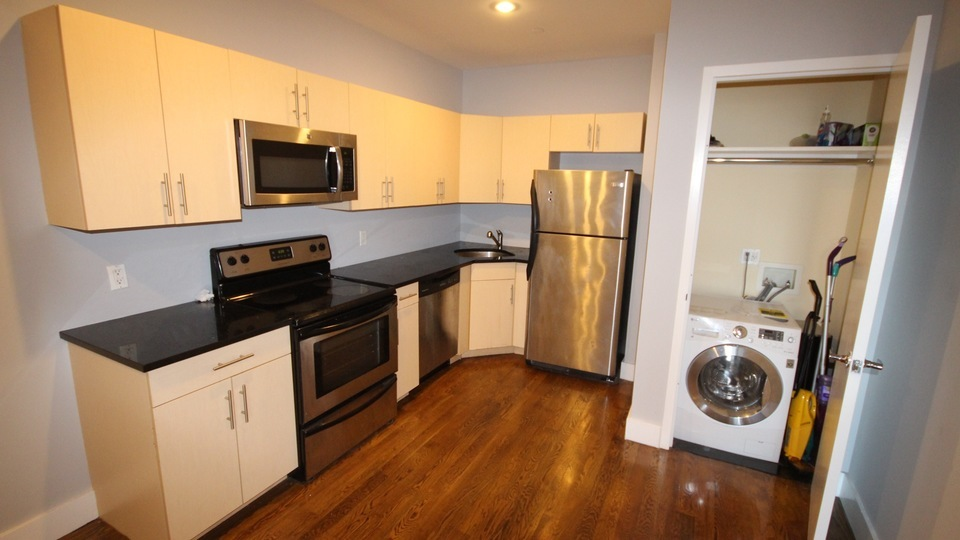 A $2,953.00, 2 bed / 1 bathroom apartment in Williamsburg