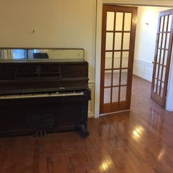 A $2,300.00, 3 bed / 1 bathroom apartment in Crown Heights