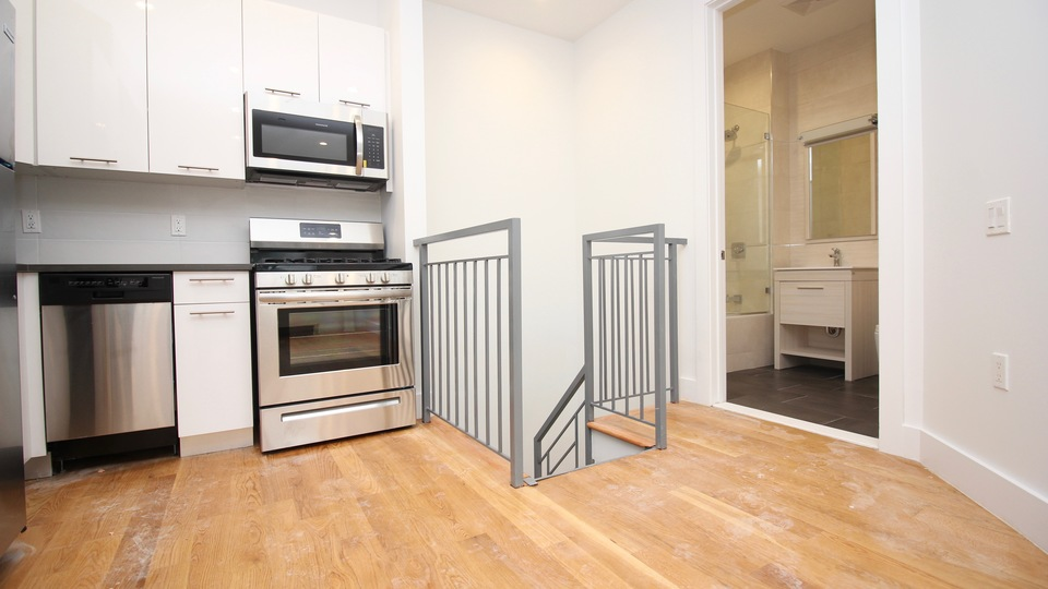 A $2,155.00, 2 bed / 1.5 bathroom apartment in Bed-Stuy