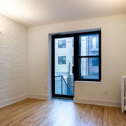 A $2,495.00, 3 bed / 1 bathroom apartment in Bed-Stuy