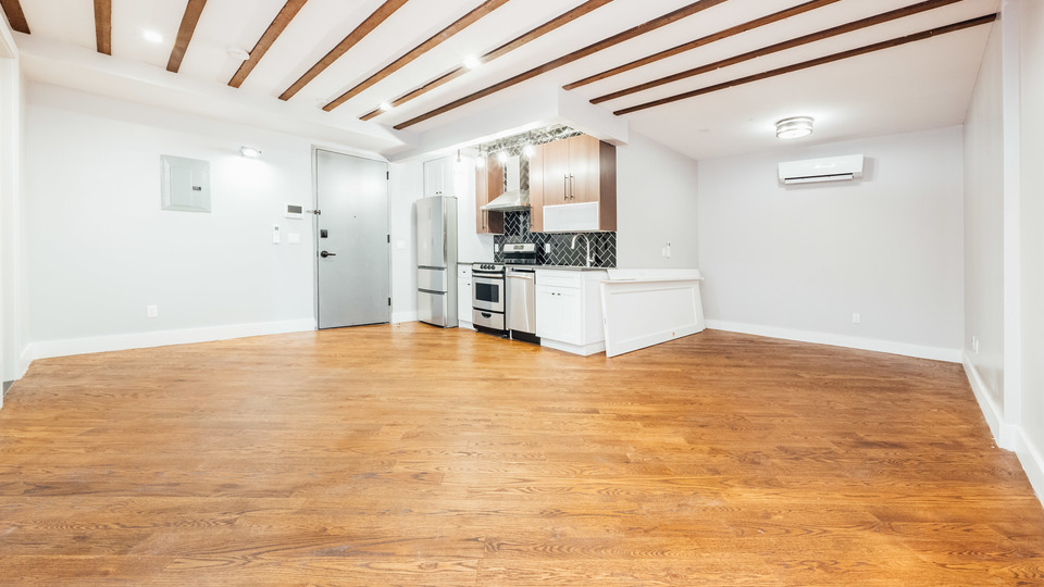 A $2,000.00, 0 bed / 1 bathroom apartment in Bed-Stuy