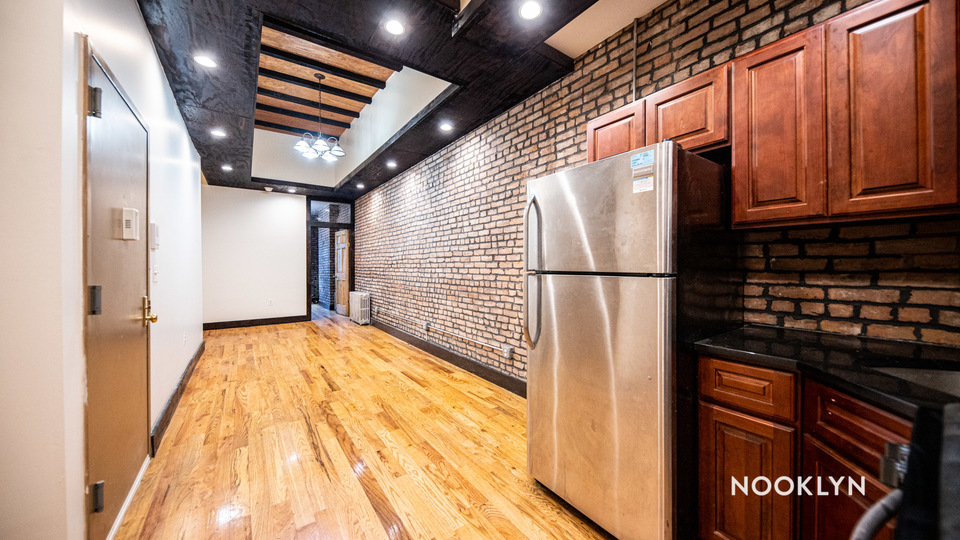 A $2,400.00, 3 bed / 1.5 bathroom apartment in Bushwick