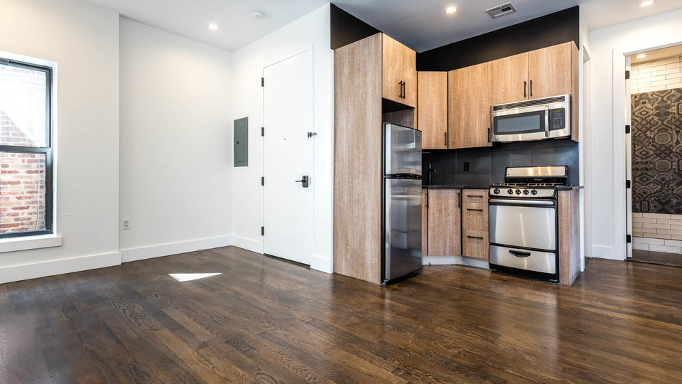 A $2,500.00, 3 bed / 2 bathroom apartment in Bushwick