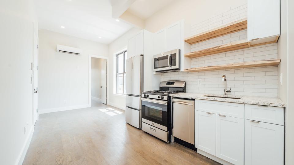 A $3,300.00, 3 bed / 3 bathroom apartment in Bushwick