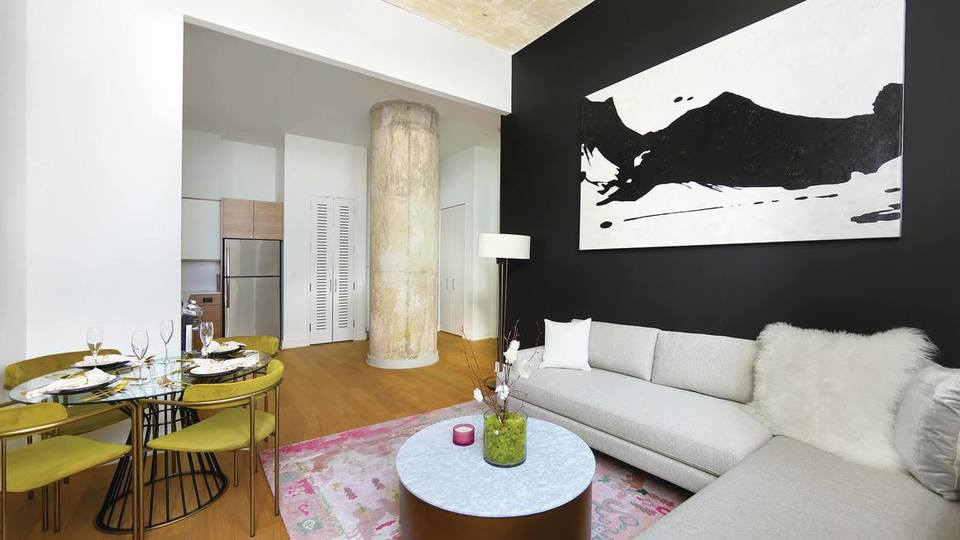 A $3,318.00, 1 bed / 1 bathroom apartment in Long Island City