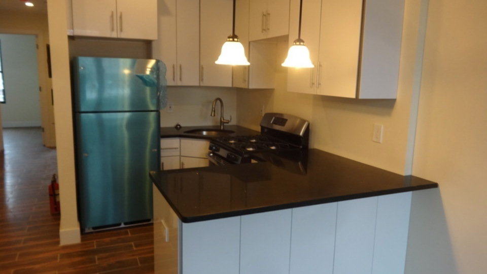 A $2,799.00, 3 bed / 1 bathroom apartment in Bushwick