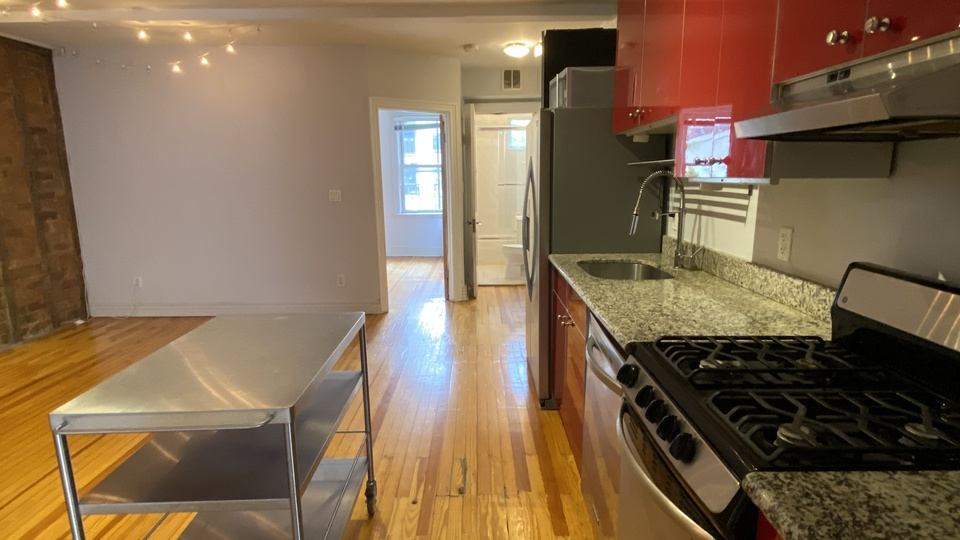 A $3,675.00, 4 bed / 1 bathroom apartment in Greenpoint