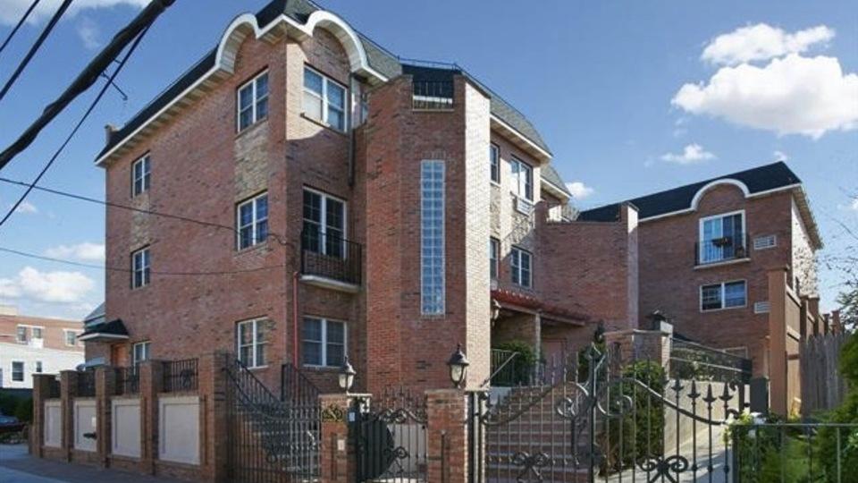 A $410,000.00, 1 bed / 1 bathroom apartment in Ridgewood