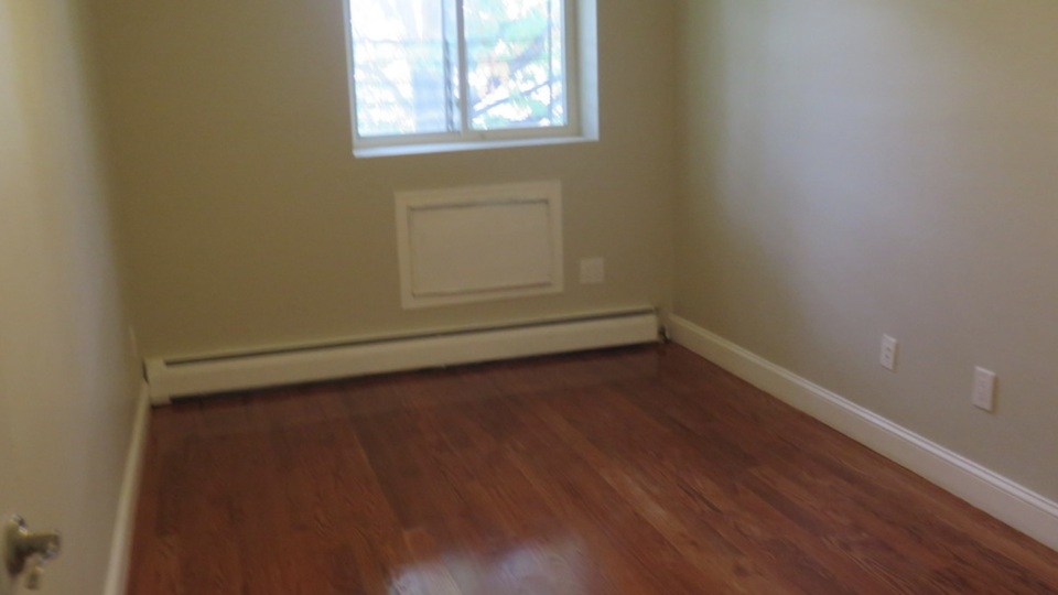 A $850.00, 0.5 bed / 1 bathroom apartment in Bed-Stuy