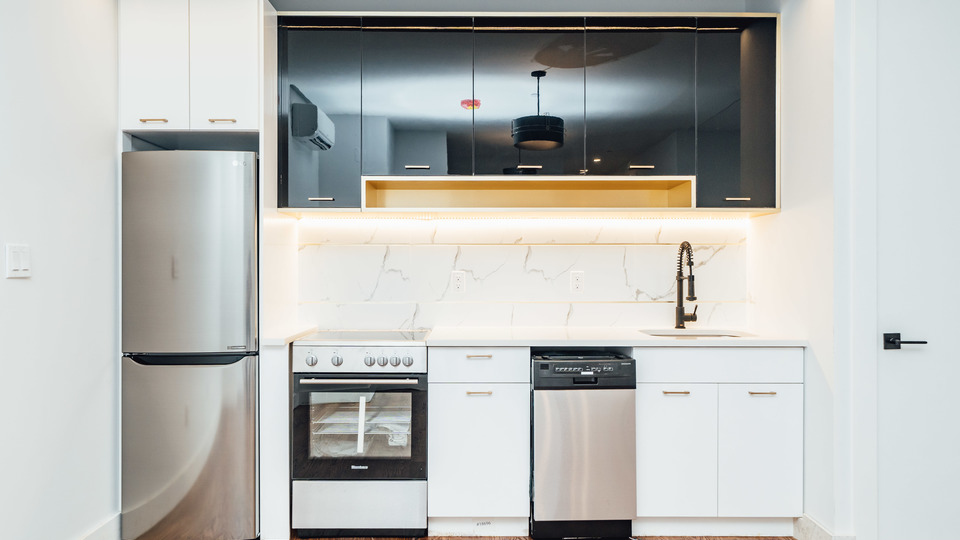 A $4,000.00, 4 bed / 2 bathroom apartment in Bushwick
