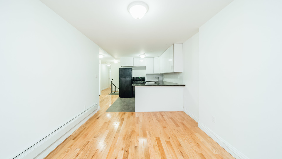 A $2,733.00, 3 bed / 1 bathroom apartment in Bed-Stuy