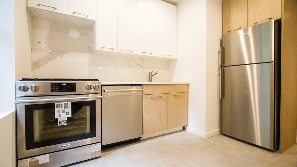 A $2,314.00, 2 bed / 1 bathroom apartment in Ditmas Park