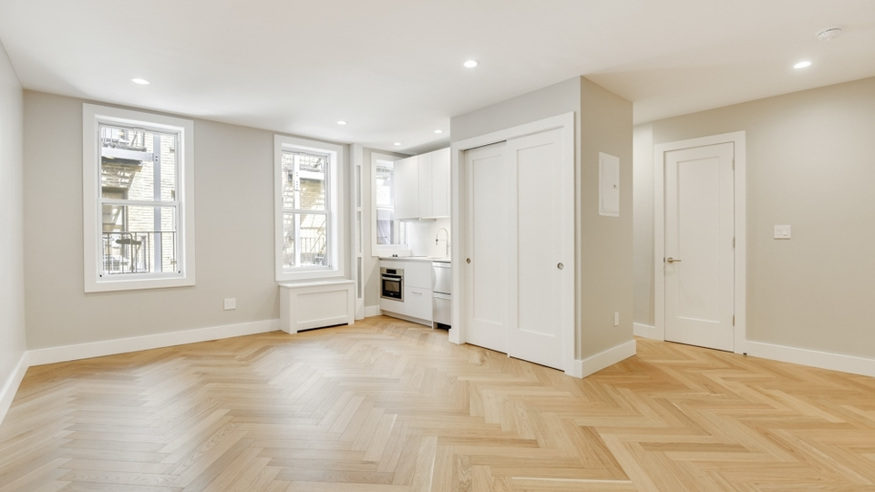 A $3,250.00, 0 bed / 1 bathroom apartment in Chelsea