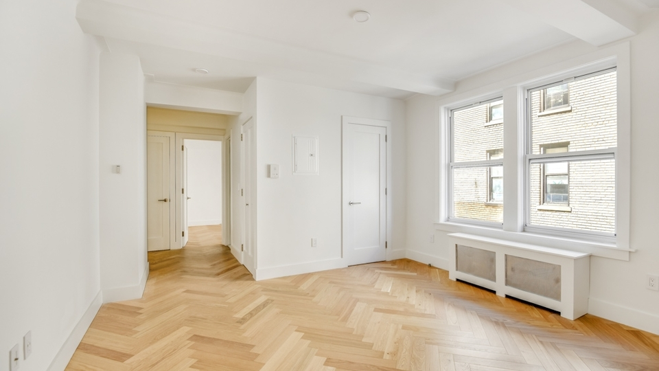A $5,160.00, 2 bed / 1 bathroom apartment in Gramercy Park