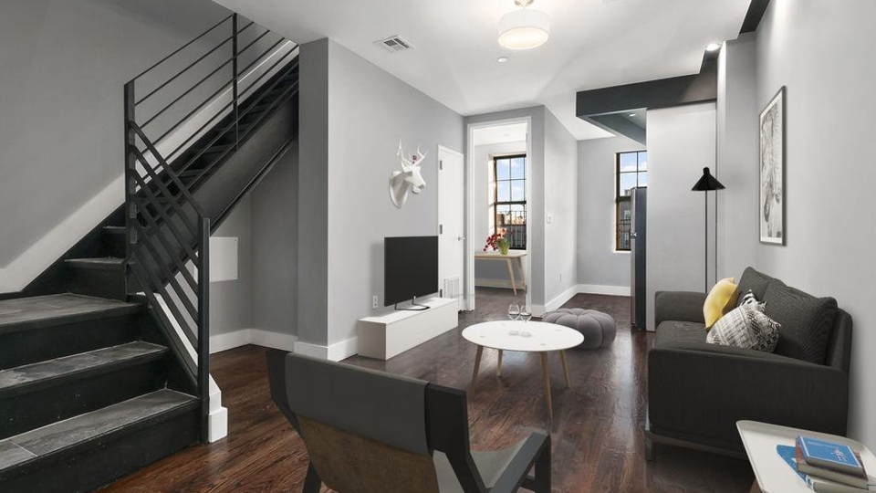A $3,200.00, 4 bed / 1.5 bathroom apartment in Bed-Stuy