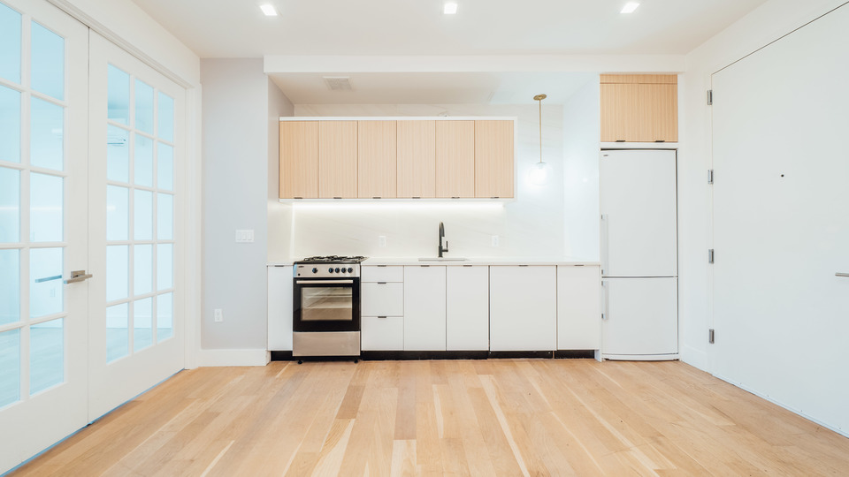 A $3,795.00, 3 bed / 1 bathroom apartment in Greenpoint