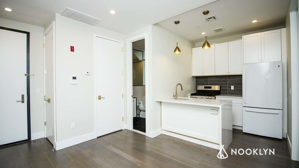 A $2,099.00, 2 bed / 1 bathroom apartment in Bed-Stuy