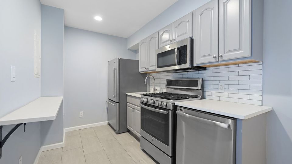 A $2,780.00, 3 bed / 1 bathroom apartment in Bed-Stuy