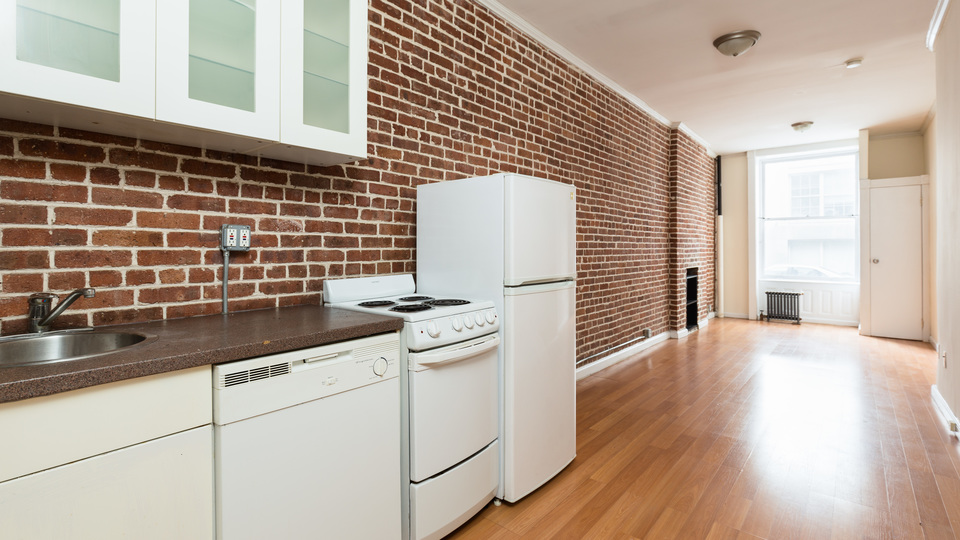 A $1,995.00, 0 bed / 1 bathroom apartment in Brooklyn Heights