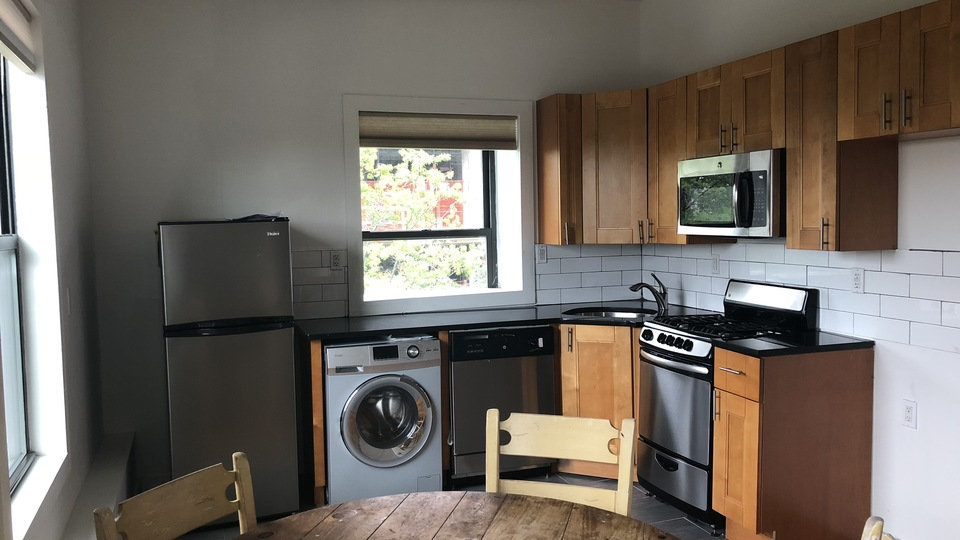 A $4,999.00, 4 bed / 2 bathroom apartment in Williamsburg