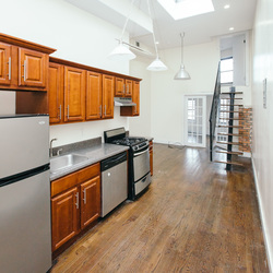 A $2,750.00, 3 bed / 1 bathroom apartment in Williamsburg