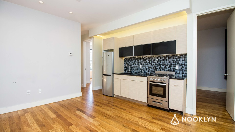 A $2,850.00, 4 bed / 1.5 bathroom apartment in Bed-Stuy