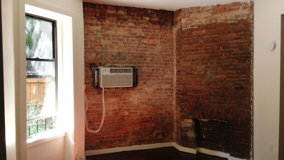A $1,950.00, 0 bed / 1 bathroom apartment in Clinton Hill