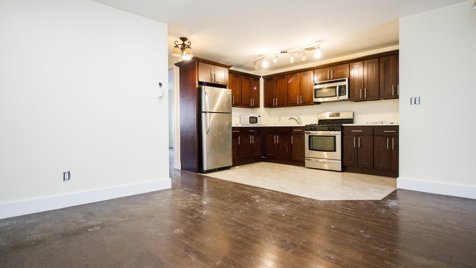 A $4,200.00, 5 bed / 2.5 bathroom apartment in Bed-Stuy