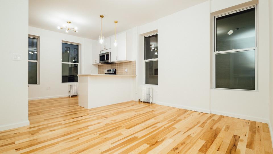 A $1,000.00, 1 bed / 1.5 bathroom apartment in Ridgewood